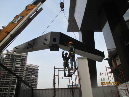 Khách hàng QSB STeel thi công phần mái Pv Gas Tower